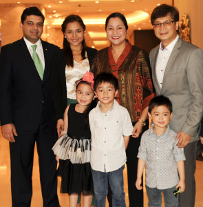 TOP: Edsa Shangri-La, Manila's General Manager Amit Oberoi, Charisse Abalos, Menchi Abalos, Mayor of Mandaluyong City Benhur Abalos Jr. and family