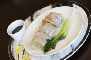 Steamed Rice Roll with Dough Fritters